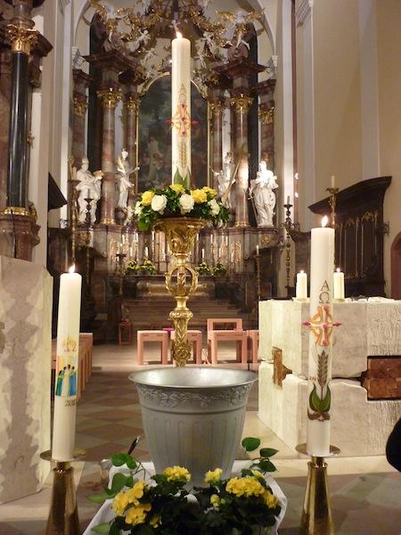 Osternacht in Heilig Kreuz Offenburg